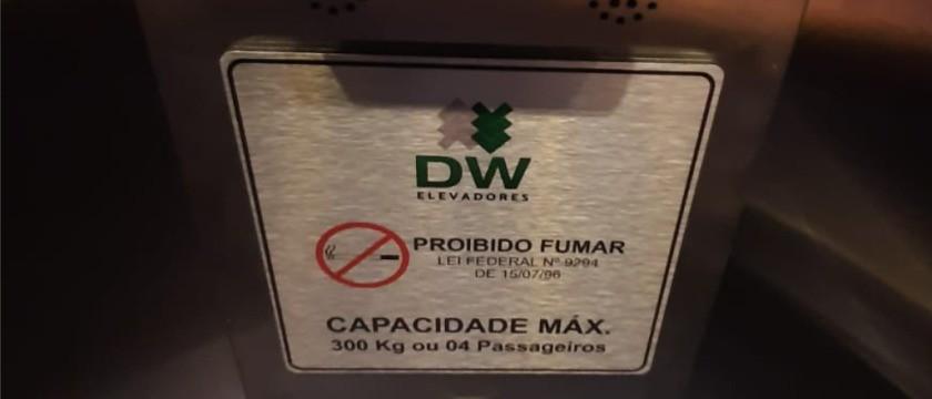 A importância de respeitar a capacidade do elevador