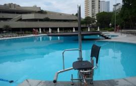 elevador de piscina, elevador para piscina, acessibilidade na piscina